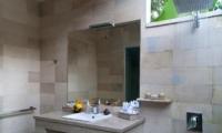 Bathroom with Mirror and Shower - Esha Seminyak - Seminyak, Bali
