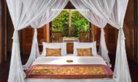 Bedroom with Lamps - Fivelements - Ubud, Bali