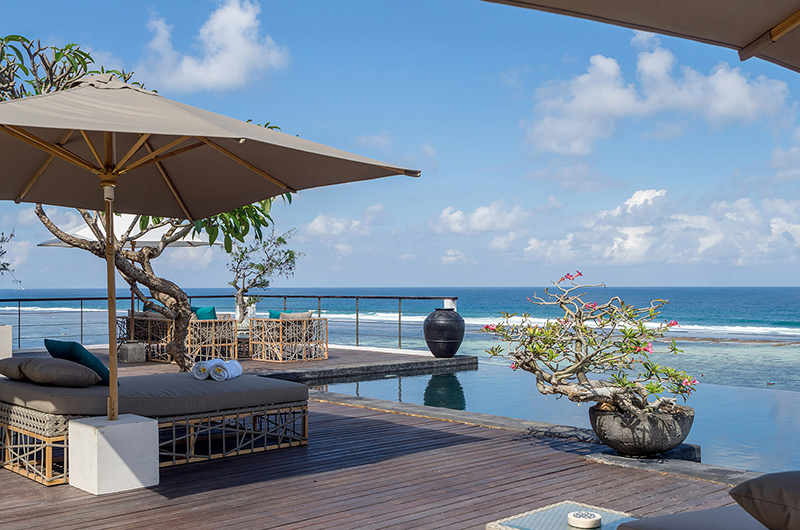Sun Beds - Grand Cliff Nusa Dua - Nusa Dua, Bali