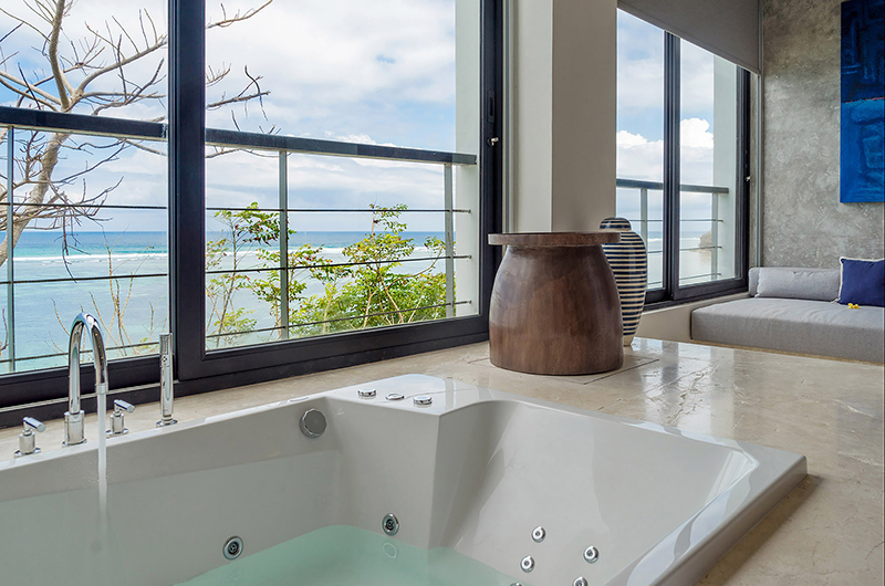 Bathtub - Grand Cliff Nusa Dua - Nusa Dua, Bali
