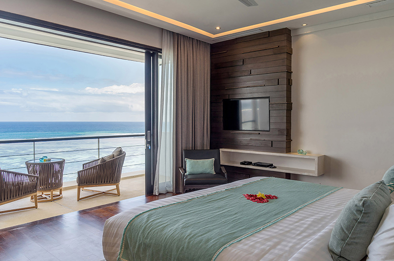 Bedroom and Balcony - Grand Cliff Nusa Dua - Nusa Dua, Bali