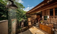 Outdoor Shower - Hartland Estate - Ubud, Bali