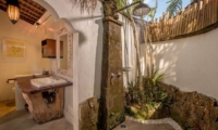 Semi Open Bathroom with Shower - Hartland Estate - Ubud, Bali