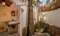 Semi Open Bathroom with Shower - Hartland Estate - Ubud, Bali