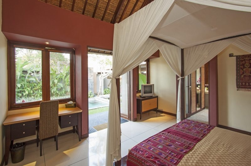 Bedroom with Study Table - Imani Villas Ariana - Umalas, Bali