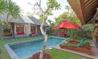 Sun Beds - Imani Villas Malika - Umalas, Bali