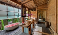 His and Hers Bathroom with Bathtub - Impiana Cemagi - Seseh, Bali