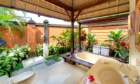 Semi Open Bathroom with Bathtub - Impiana Cemagi - Seseh, Bali