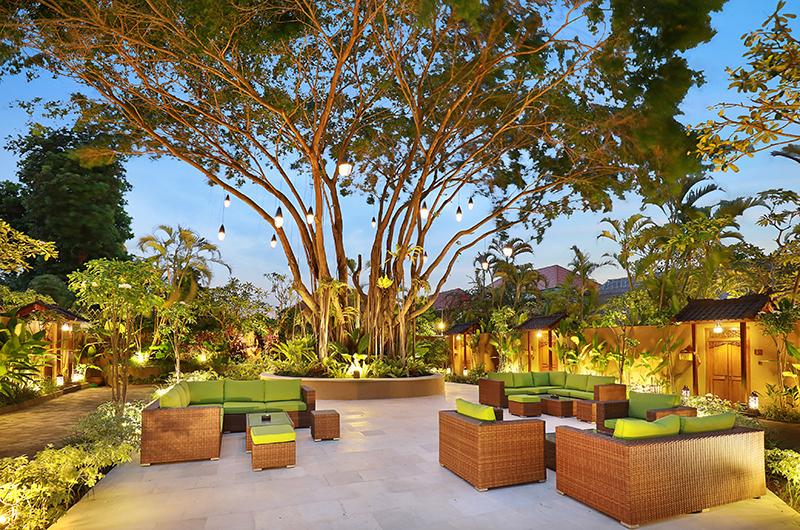Outdoor Seating Area - Impiana Seminyak - Seminyak, Bali