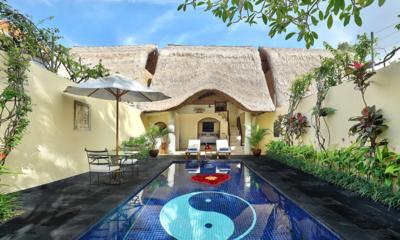 Reclining Sun Loungers - Impiana Seminyak - Seminyak, Bali