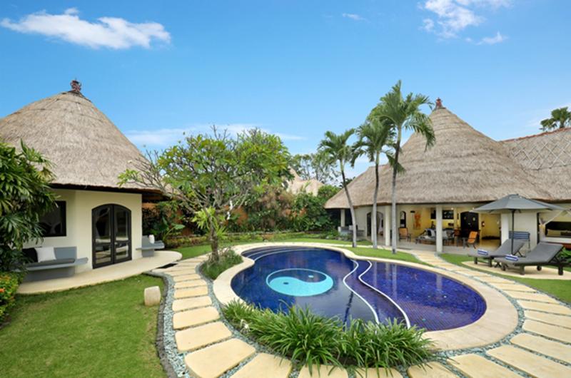 Gardens and Pool - Impiana Seminyak - Seminyak, Bali
