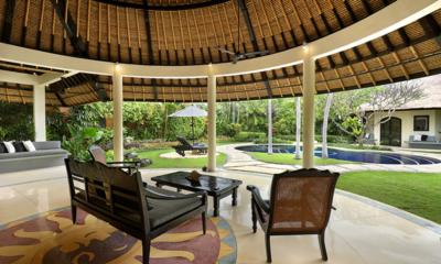 Outdoor Seating Area with Pool View - Impiana Seminyak - Seminyak, Bali