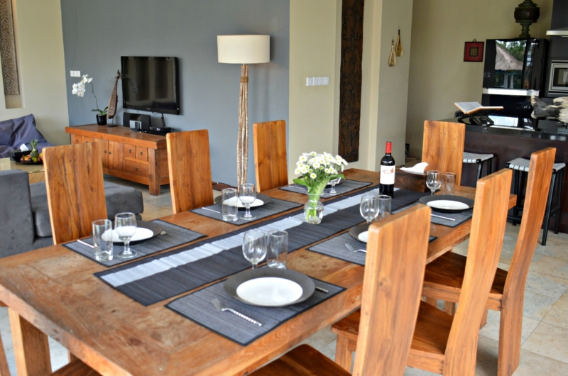 Indoor Kitchen and Dining Area - Jabunami Villa - Canggu, Bali