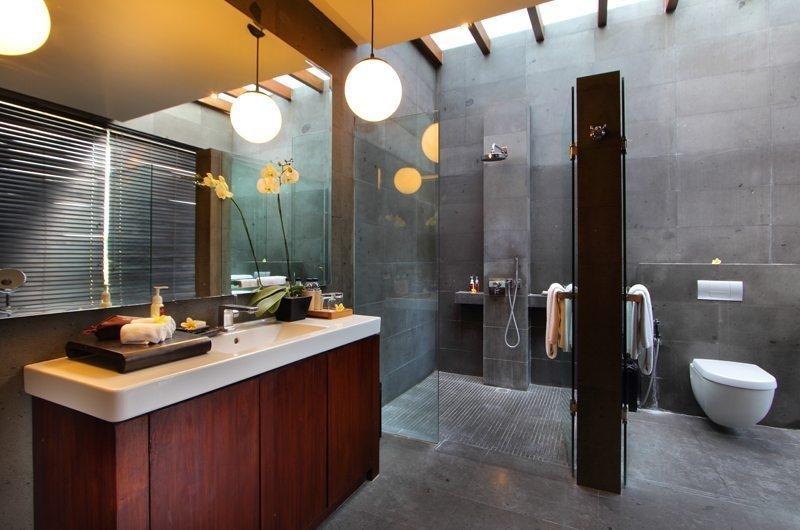 Bathroom with Shower - Javana Royal Villas - Seminyak, Bali