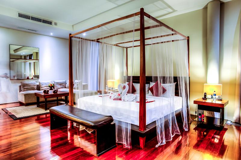 Four Poster Bed - Javana Royal Villas - Seminyak, Bali