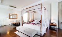 Bedroom with Sofa - Javana Royal Villas - Seminyak, Bali