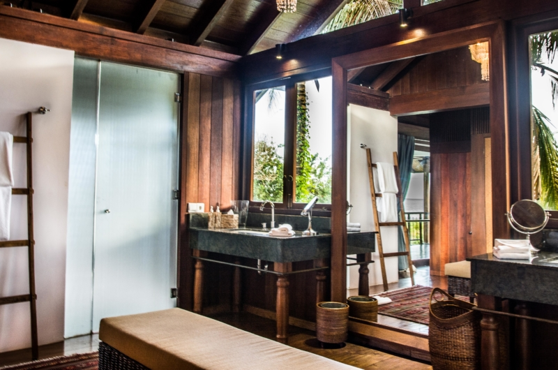 Bathroom with Mirror - Jeeva Saba Estate - Gianyar, Bali