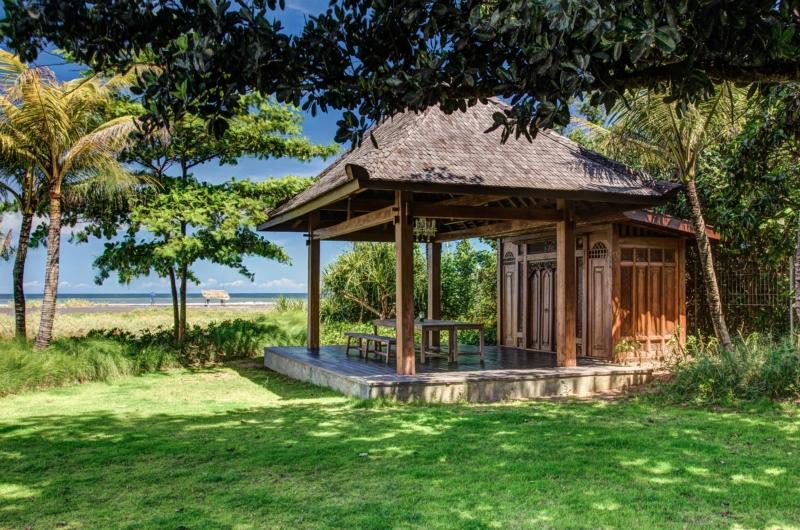Beachfront - Jeeva Saba Estate - Gianyar, Bali