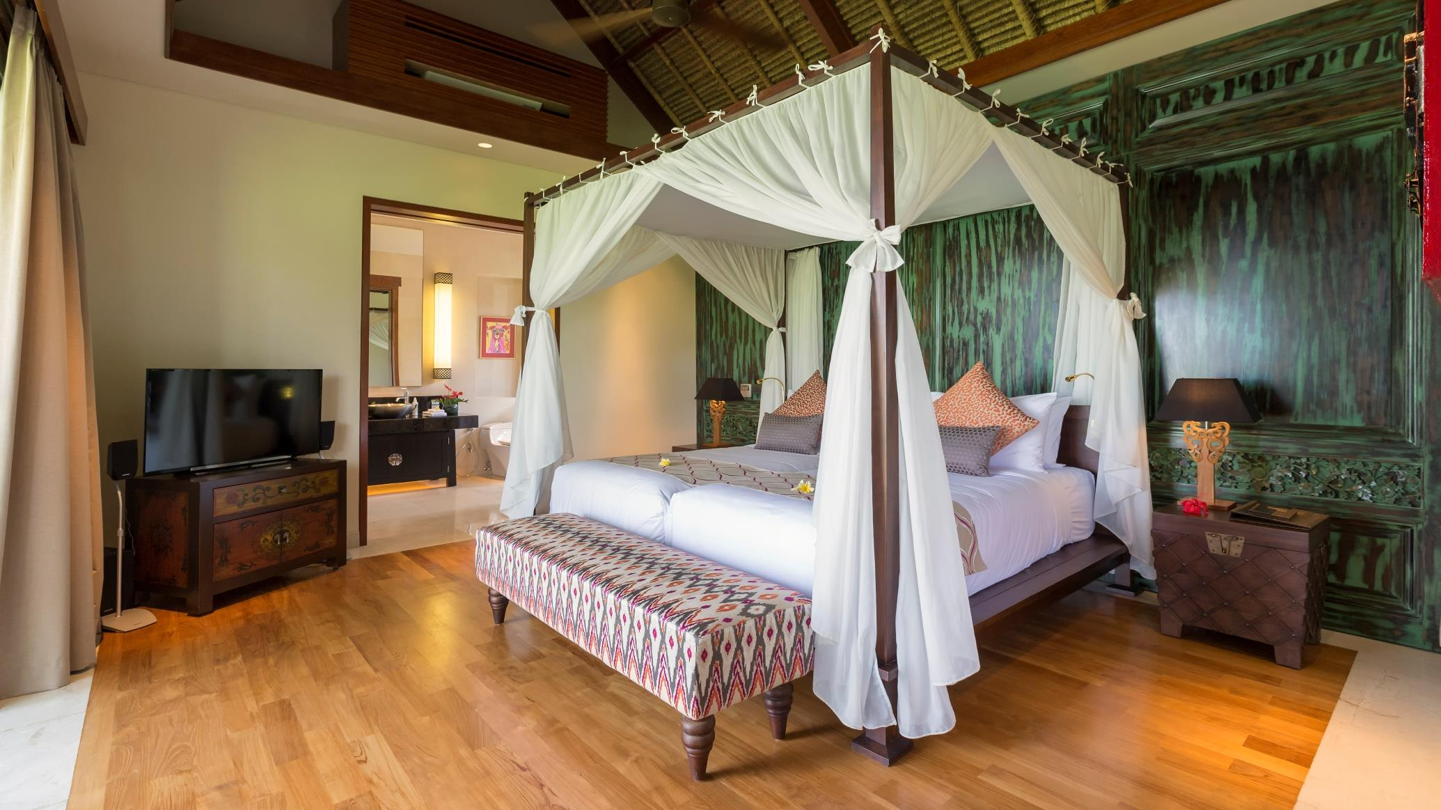 Bedroom with Table Lamps - Kaba Kaba Estate - Tabanan, Bali