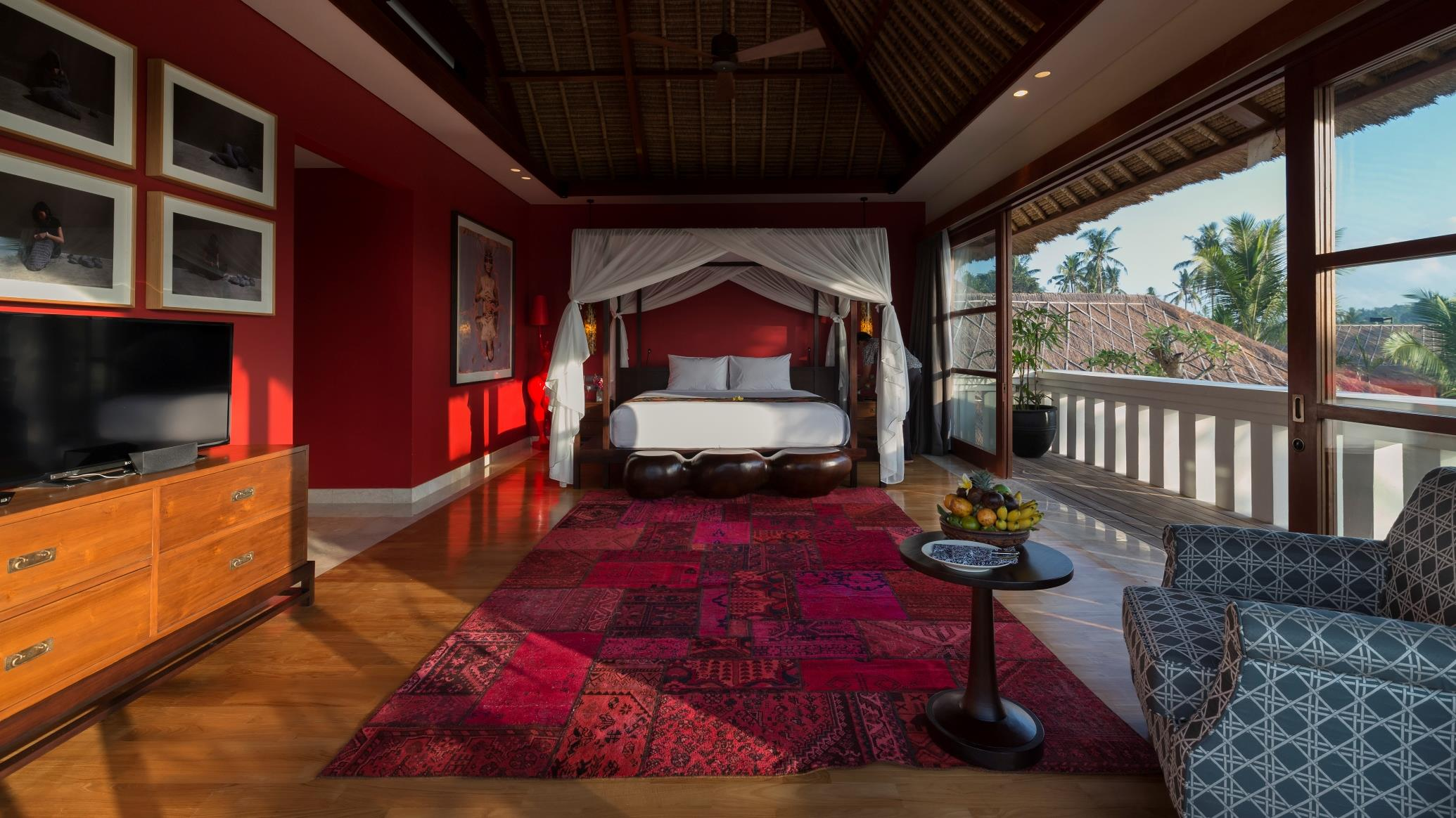 Spacious Bedroom with TV - Kaba Kaba Estate - Tabanan, Bali