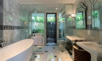 Bathroom with Bathtub - Kaba Kaba Estate - Tabanan, Bali