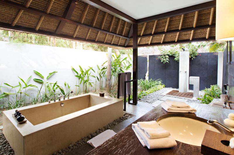 Semi Open Bathroom with Bathtub - Kayumanis Jimbaran - Jimbaran, Bali