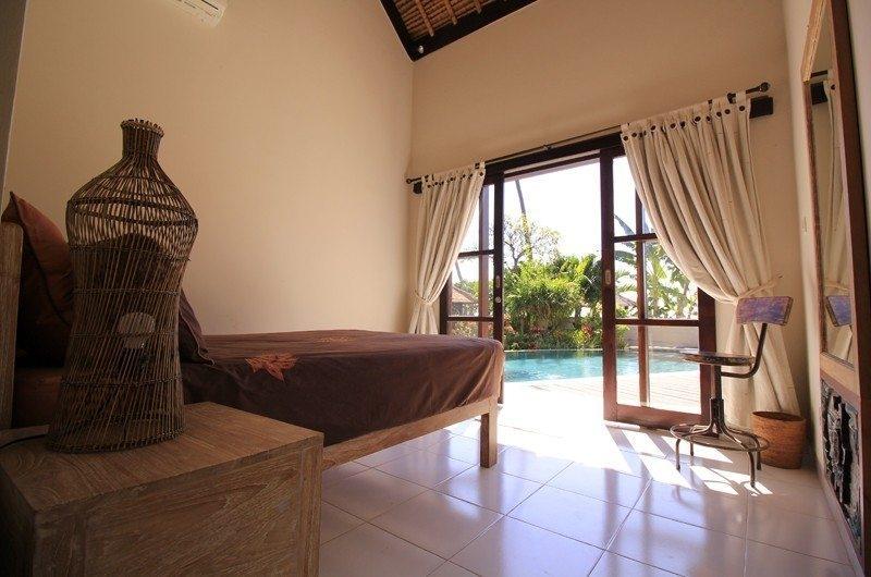Bedroom with Table Lamp - Kembali Villa - North Bali, Bali