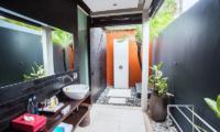 En-Suite Bathroom - Kembali Villas - Seminyak, Bali