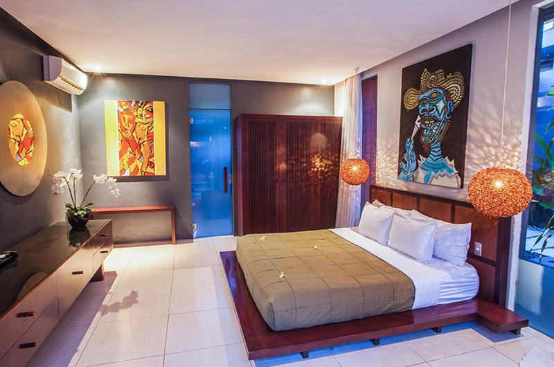 King Size Bed - Kembali Villas - Seminyak, Bali