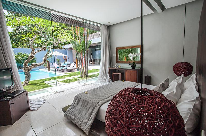 Spacious Bedroom - Kembali Villas - Seminyak, Bali