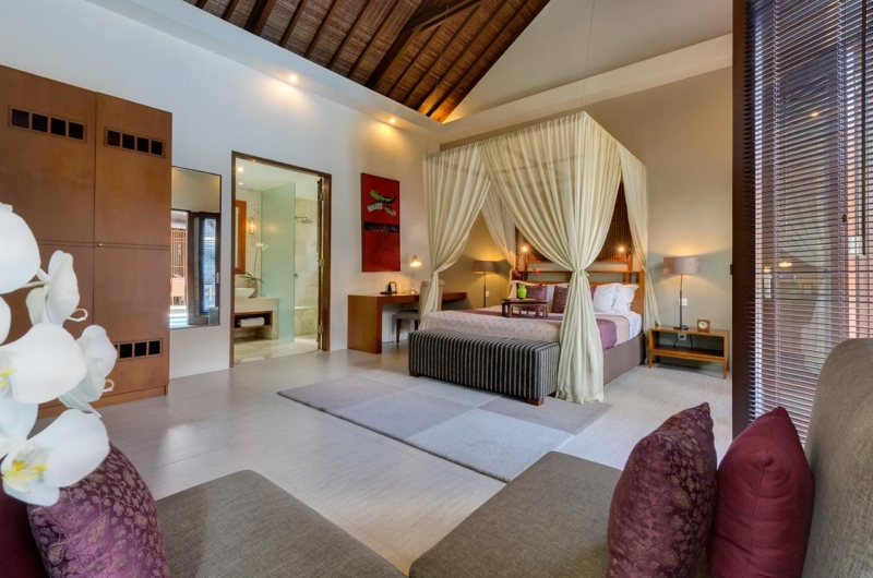 Spacious Bedroom with Seating Area - Lakshmi Villas - Seminyak, Bali