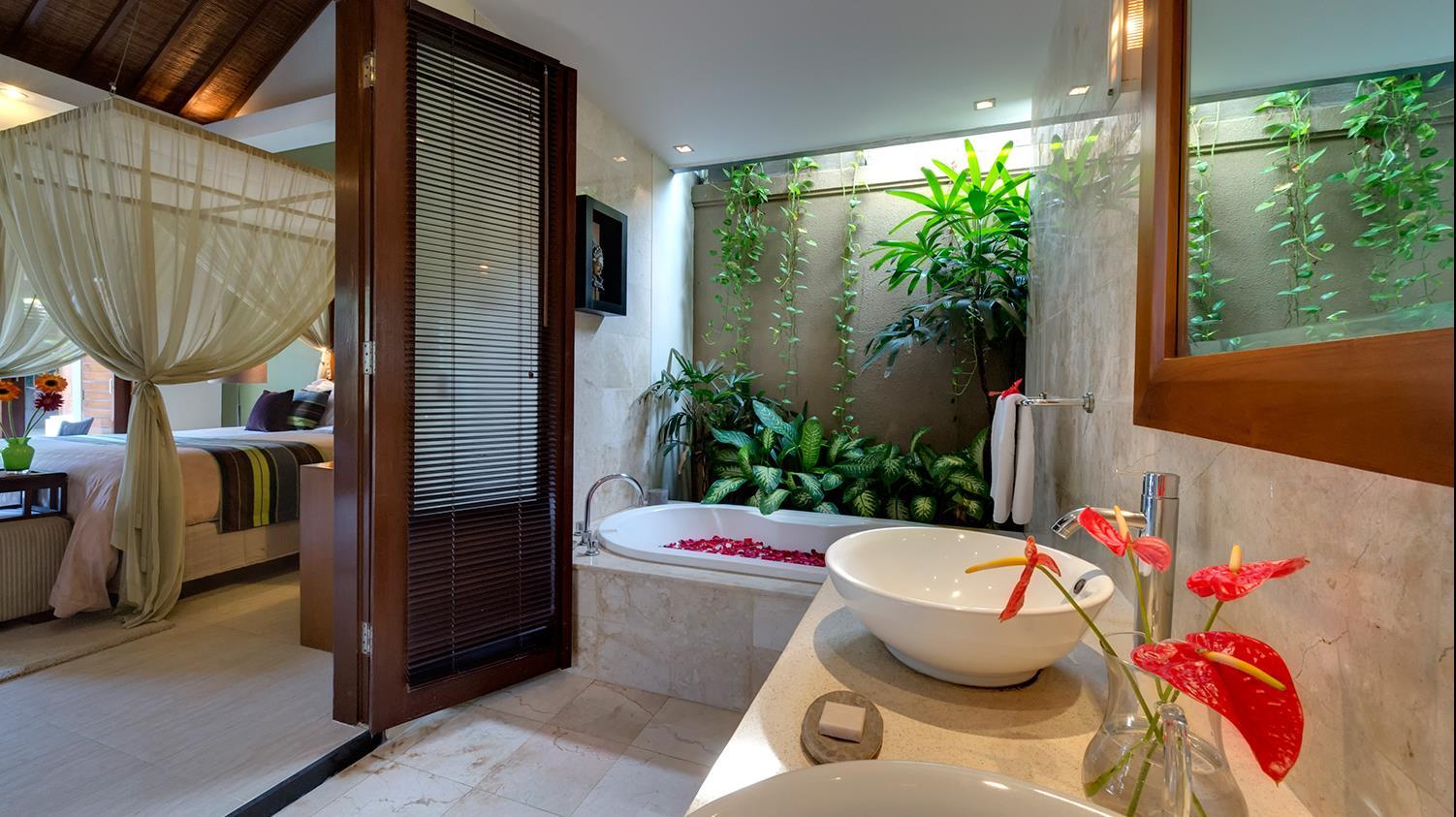 Bathtub with Rose Petals - Lakshmi Villas - Seminyak, Bali