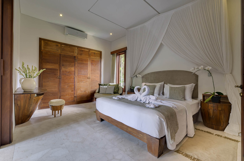 Spacious Bedroom - Lataliana Villa One - Seminyak, Bali