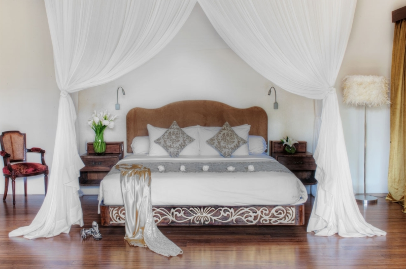Bedroom with Mosquito Net - Lataliana Villas - Seminyak, Bali