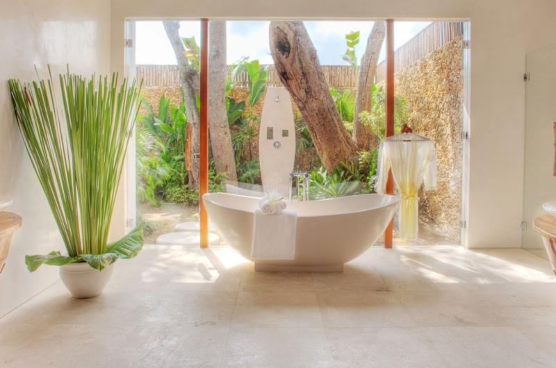 Bathtub - Lataliana Villas - Seminyak, Bali