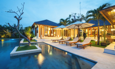 Pool Side Sun Loungers - La Villa Des Sens Bali - Kerobokan, Bali
