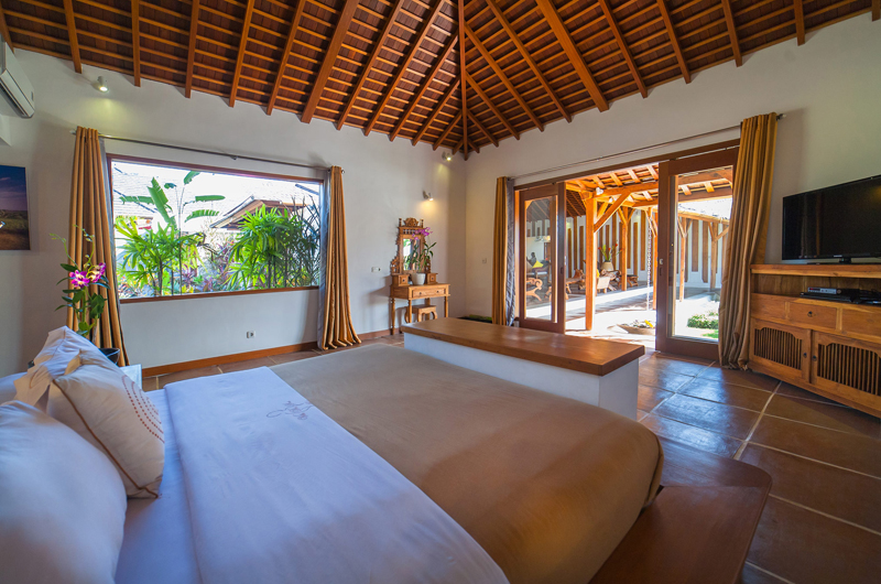 Bedroom with TV - La Villa Des Sens Bali - Kerobokan, Bali