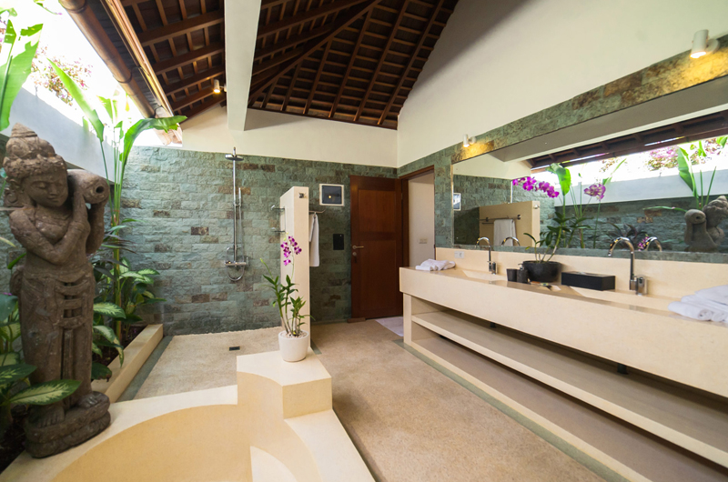 Bathroom with Mirror - La Villa Des Sens Bali - Kerobokan, Bali
