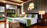 Bedroom with Table Lamps - Le Jardin Villas - Seminyak, Bali