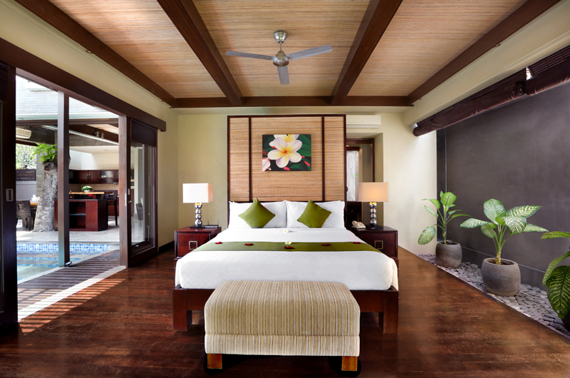 Bedroom with Wooden Floor - Le Jardin Villas - Seminyak, Bali