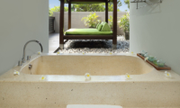 Bathtub - Le Jardin Villas - Seminyak, Bali