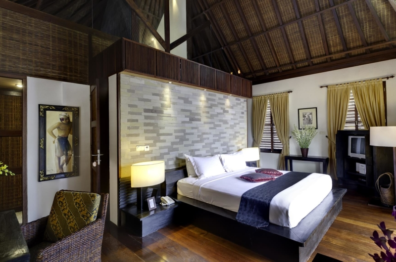 Spacious Bedroom with Seating Area - Majapahit Beach Villas - Sanur, Bali