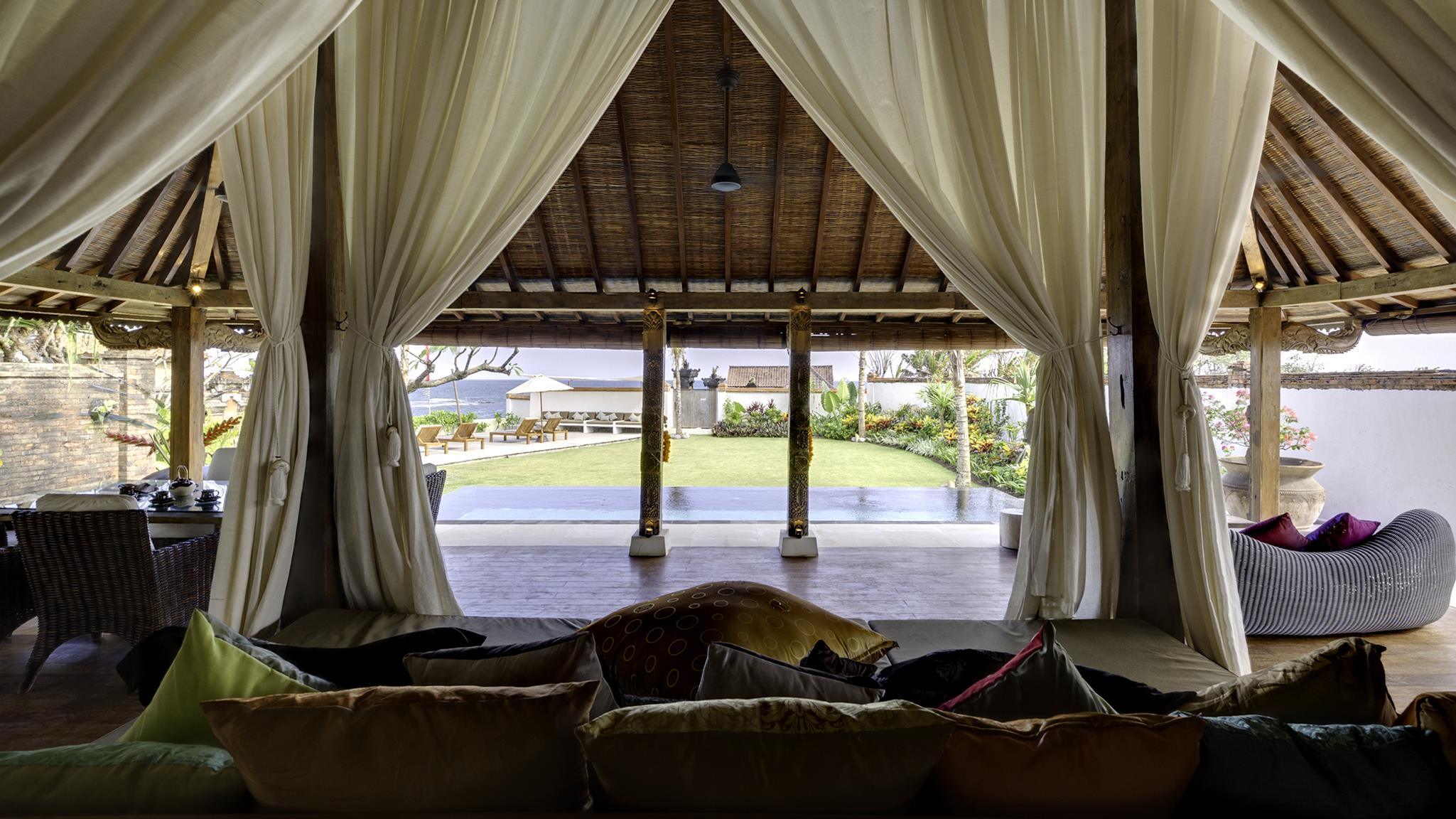 King Size Bed with Pool View - Majapahit Beach Villas - Sanur, Bali