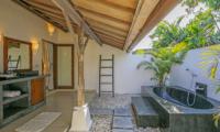 Bathroom with Bathtub - Miu Villa - Seminyak, Bali
