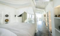 Four Poster Bed - Morabito Art Villa - Canggu, Bali