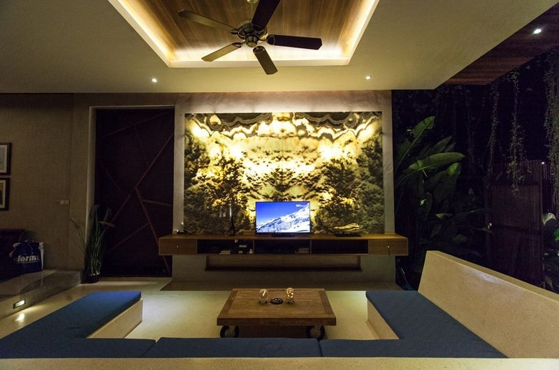 Lounge Area with TV - Nazeki Villa - Uluwatu, Bali
