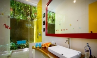 Semi Open Bathroom with Shower - Niconico Mansion - Seminyak, Bali