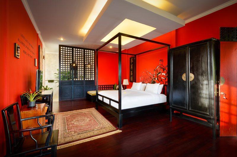 Bedroom with Wooden Floor - Niconico Mansion - Seminyak, Bali