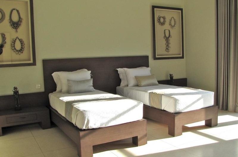 Twin Bedroom - Nyaman Villas - Seminyak, Bali