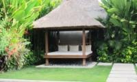 Pool Bale - Nyaman Villas - Seminyak, Bali